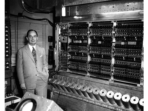 John von Neumann, uno de los pioneros en utilizar el concepto de singularidad