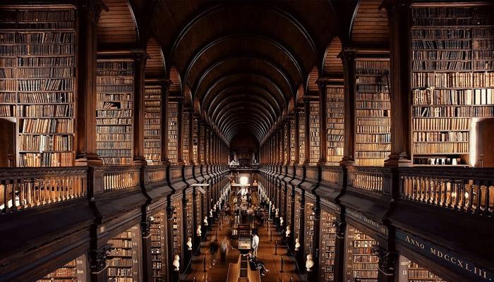 La Biblioteca de Investigación de las Artes de la Conjuración